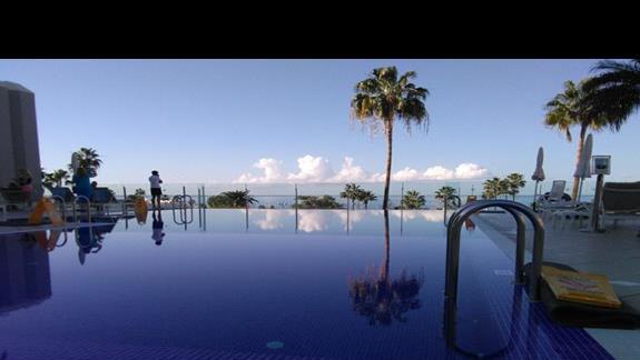 basen infinity,Hovima Costa Adeje