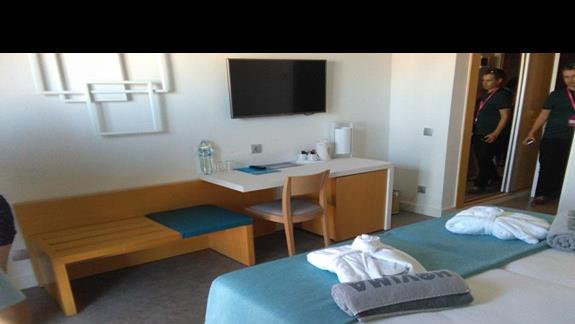 sypialnia w pokoju superior, Hovima Costa Adeje