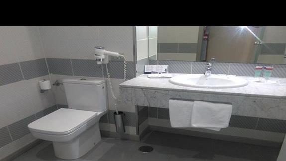 Łazienka w pokoju standard club