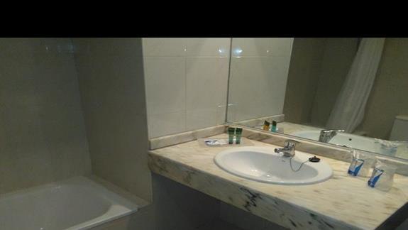Łazienka w pokoju standard od strony bsenu, Dunas Mirador Maspalomas