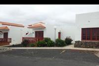 Hotel Castillo Beach Bungalows - Widok na domek od strony ulicy.