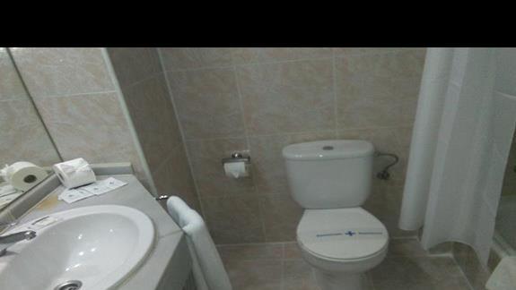 Łazienka w pokoju standard, Beverly Park