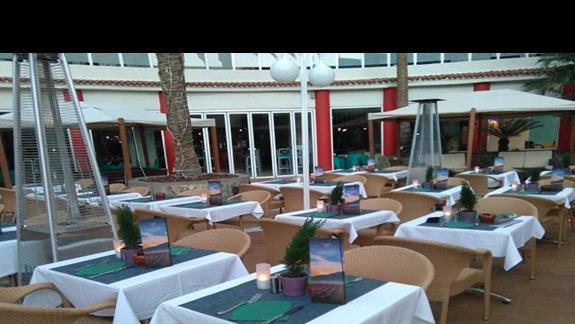 Restauracja, część otwarta, Rondo