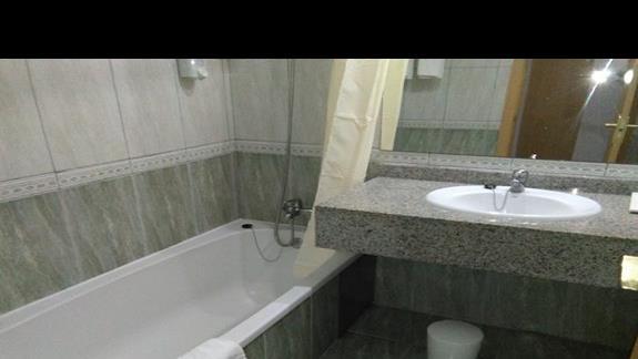 Łazienka w pokoju suite, Rondo