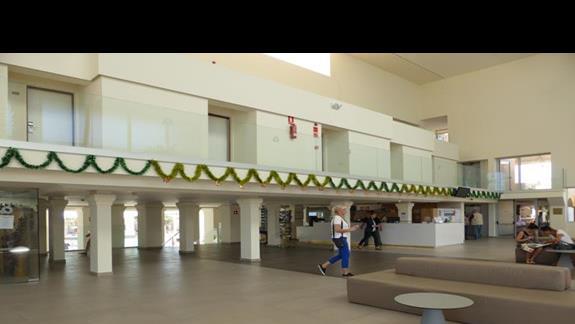 Lobby w hotelu Monica Beach