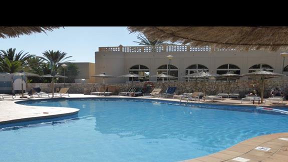 Basen w hotelu Monica Beach