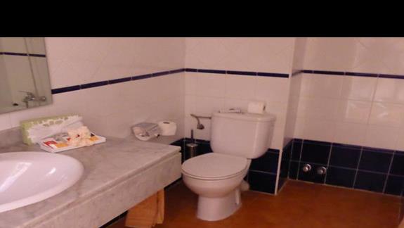Łazienka w hotelu Monica Beach