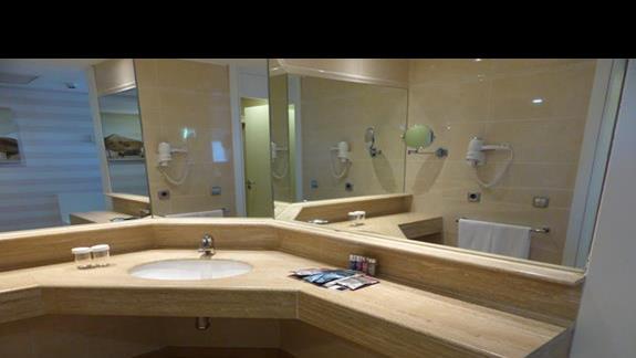 Łazienka w hotelu Barcelo Fuerteventura
