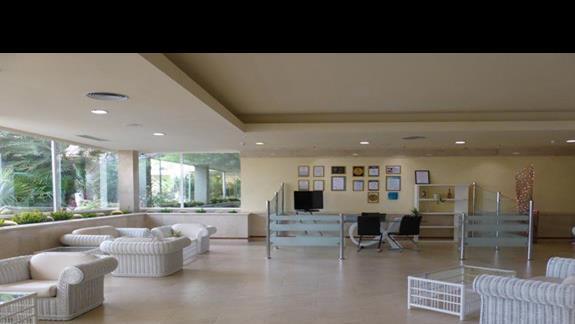 Lobby w hotelu Occidental Lanzarote