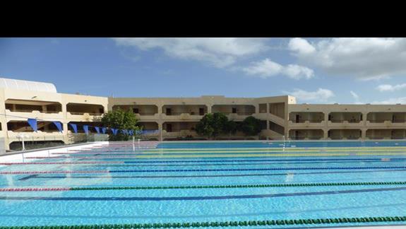 Basen olimpijski w hotelu Occidental Lanzarote