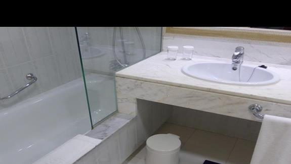 Łazienka w hotelu Occidental Lanzarote