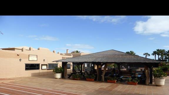 Bar w hotelu Oasis Dunas