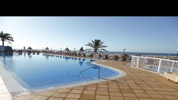 Basen w hotelu SBH Jandia Resort
