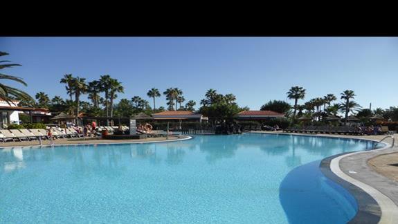 Basen w hotelu Barcelo Castillo Beach Resort