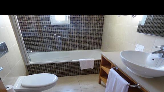 Łazienka w hotelu Barcelo Castillo Beach Resort