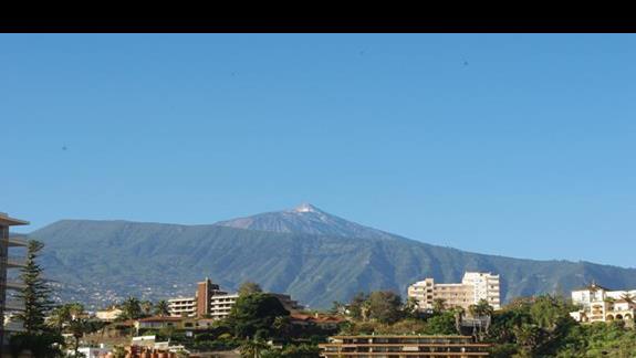 Widok z okna pokoju na Wulkan Teida