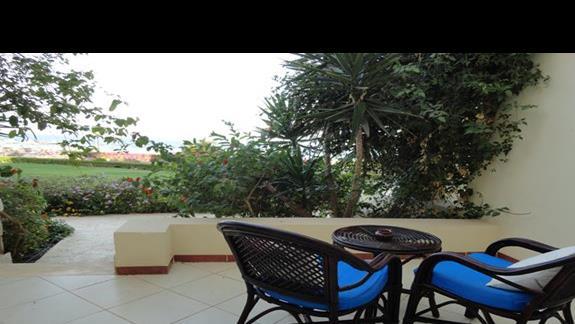 Concorde Moreen Beach Resort & Spa - taras w pokoju rodzinnym
