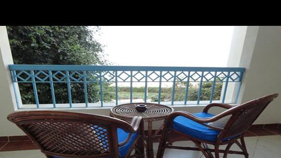 Concorde Moreen Beach Resort & Spa - balkon w pokoju standardowym
