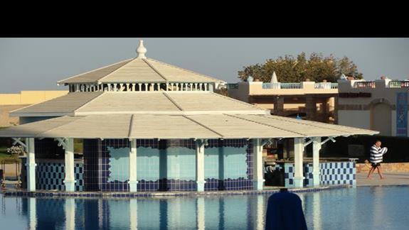 Concorde Moreen Beach Resort & Spa - bar swim-up