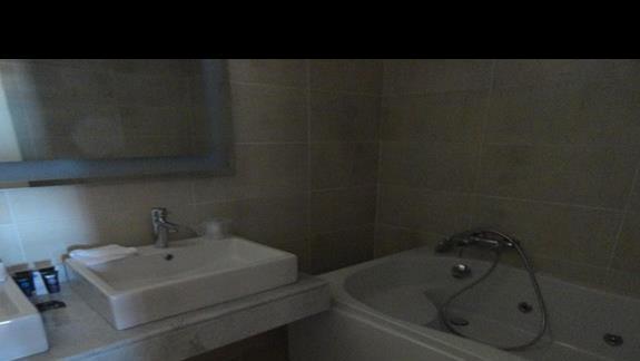 Novotel Marsa Alam - łazienka w pokoju