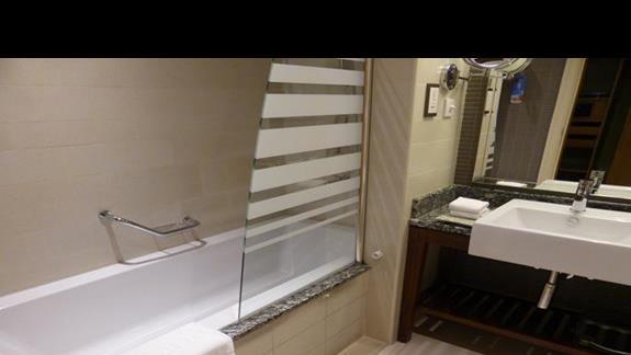Łazienka w hotelu Amwaj Rotana Jumeirah Beach