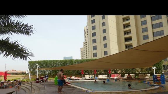 Brodzik w hotelu Amwaj Rotana Jumeirah Beach