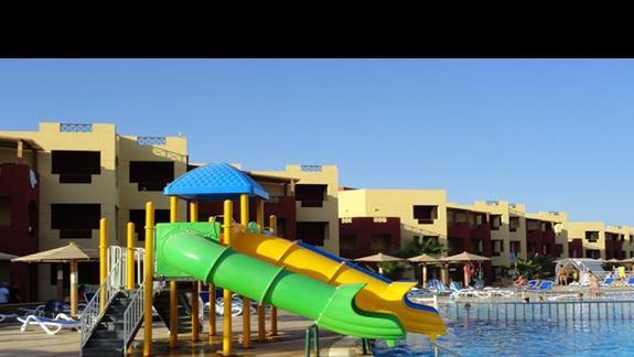 Royal Tulip Beach Resort - zjeżdżalnia wodna