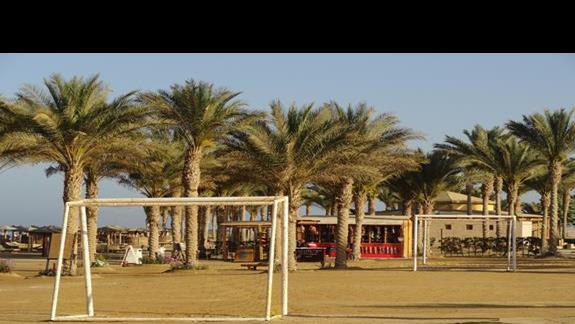 Royal Tulip Beach Resort - boisko na plaży