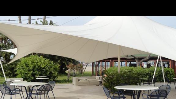 Le Dune Beach Club - stoliki przy barze