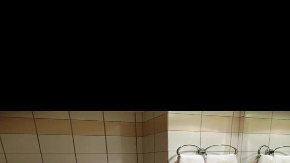 łazienka w pokoju standardowym w hotelu Iberostar Creta Panorama