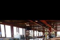 Hotel Koni Village - bar w hotelu Koni Village