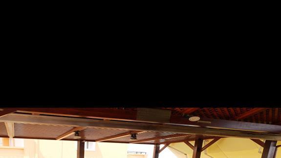 bilard w hotelu Koni Village