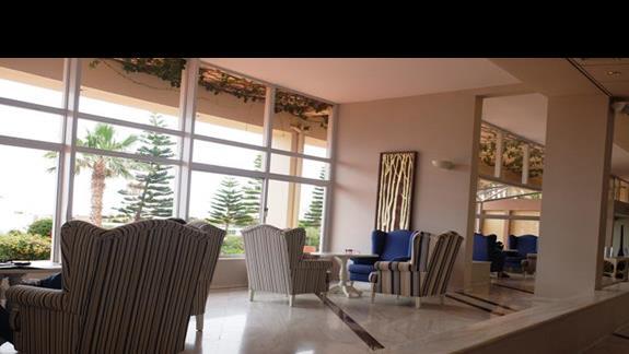 lobby w hotelu Lyttos Beach