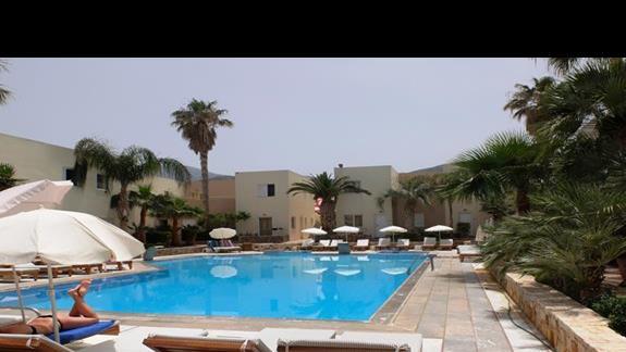 basen w hotelu Meropi