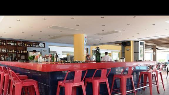 bar w hotelu Meropi