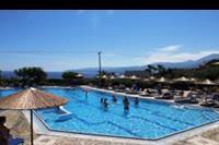 Hotel Semiramis Village - basen w hotelu Semiramis Village