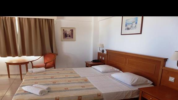 pokój standardowy w hotelu Semiramis Village