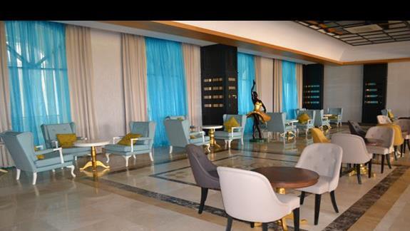 Lobby w hotelu Jadore Deluxe