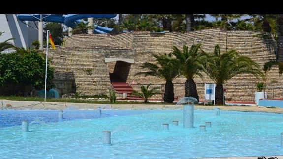 Jeden z basenów w hotelu Otium Seven Seas