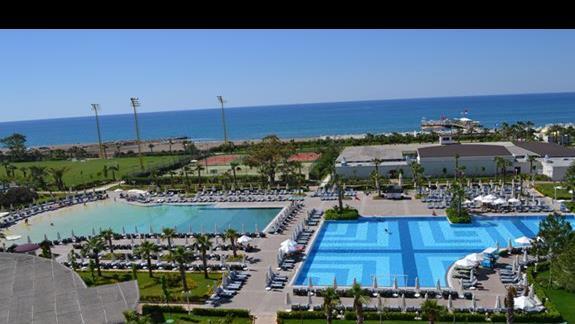 Baseny w hotelu Delphin Be Grand