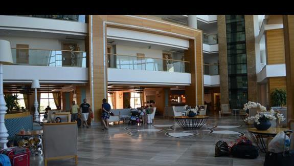Lobby w hotelu Sherwood Breezes
