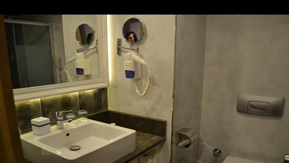 Łazienka w pokoju standard w hotelu Sherwood Breezes