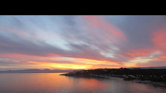 Zachód słońca (z balkonu)