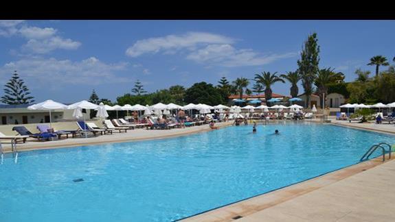 Basen hotelu Rethymno Mare