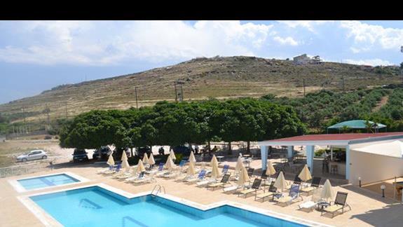 Widok z tarasu w hotelu Nicolas Villas