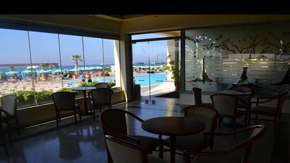 Lobby w hotelu Europa Beach