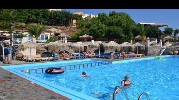 Basen w hotelu Elounda Waterpark Residence