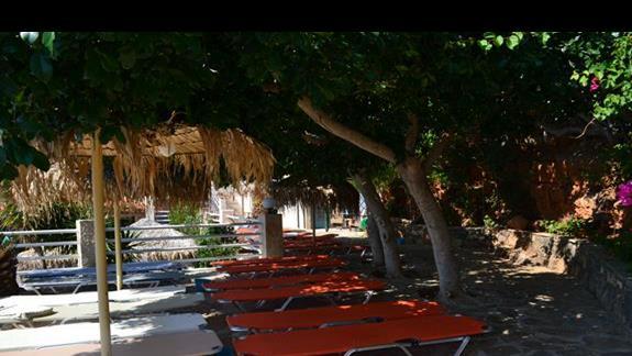 Leżaki w hotelu Elounda Waterpark Residence