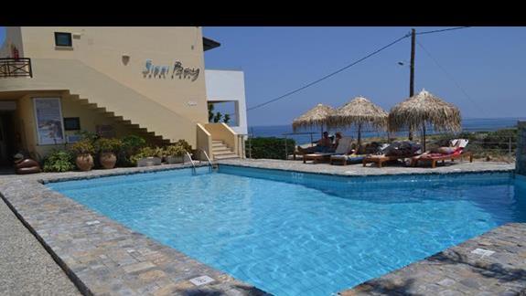 Basen dla dorosłych w hotelu Sissi Bay