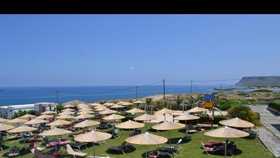 Leżaki w hotelu Sissi Bay